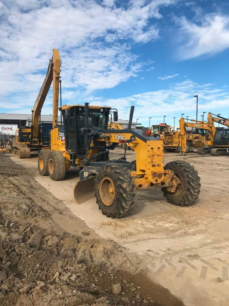 2010 JOHN DEERE 770G MOTOR GRADER SN:A0630147 Powered
