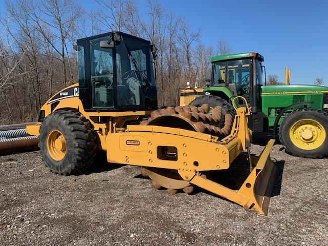 CAT CP563E VIBRATORY ROLLER SN:CNT00928 Powered By Cat