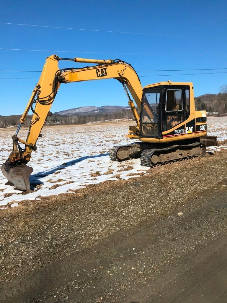 CAT 307 HYDRAULIC EXCAVATOR SN:2PM00451 Powered By Cat