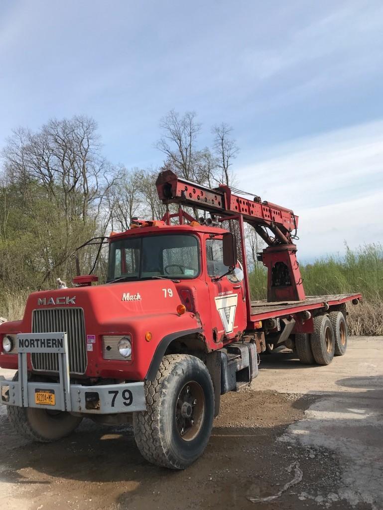 1984 MACK BOOM TRUCK VN:53716 Powered By Mack Diesel