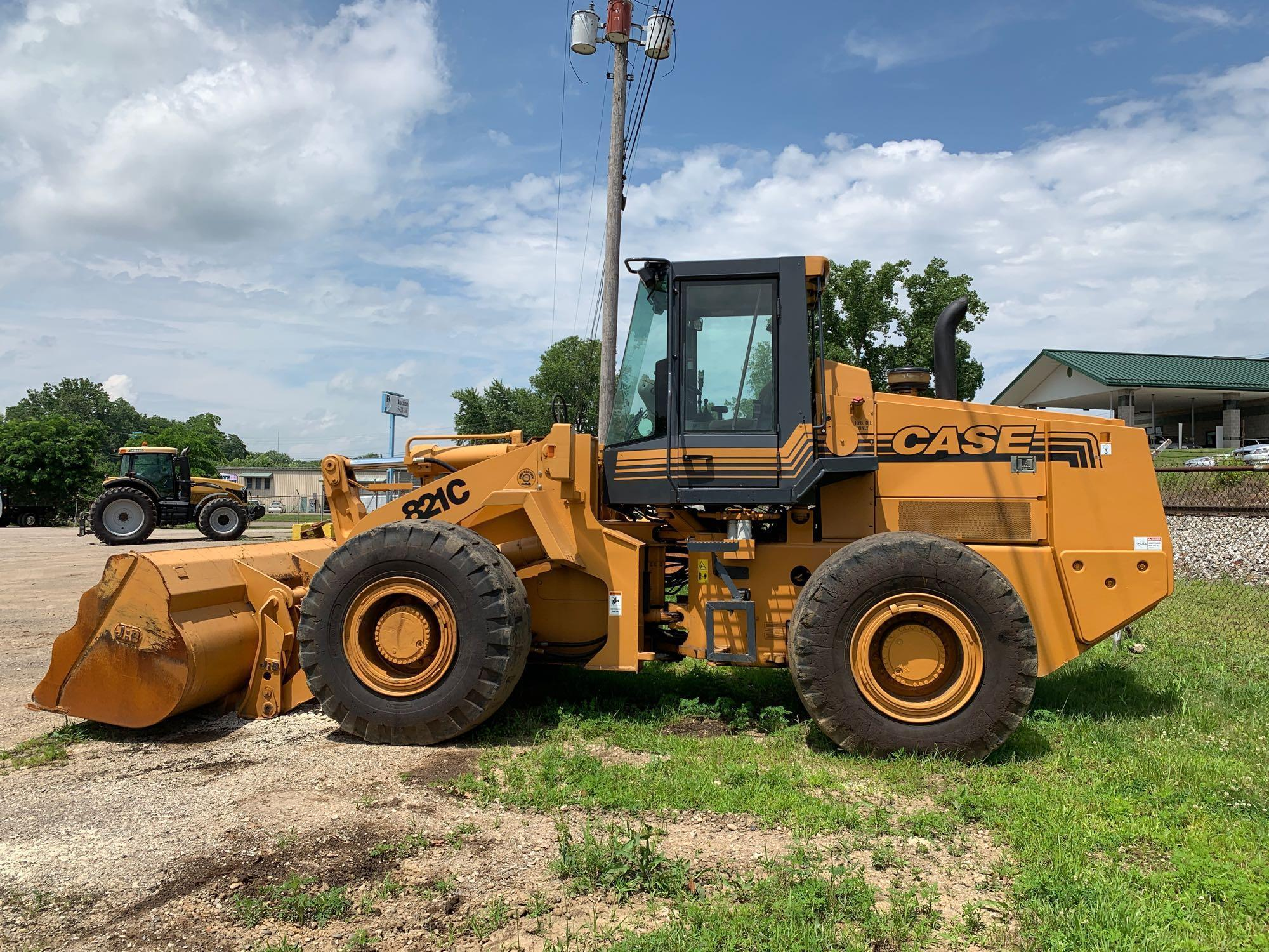 CASE 821C RUBBER TIRED LOADER SN:JEE0093401 Powered By