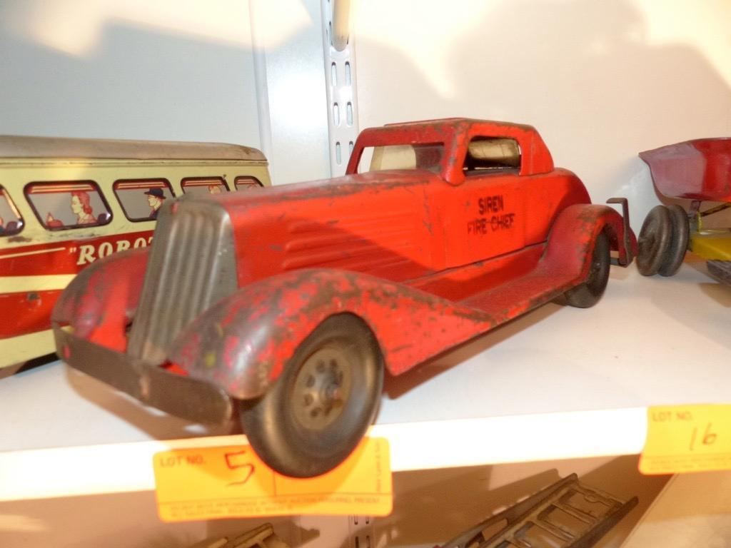 METAL TOY CAR COLLECTIBLE TOY
