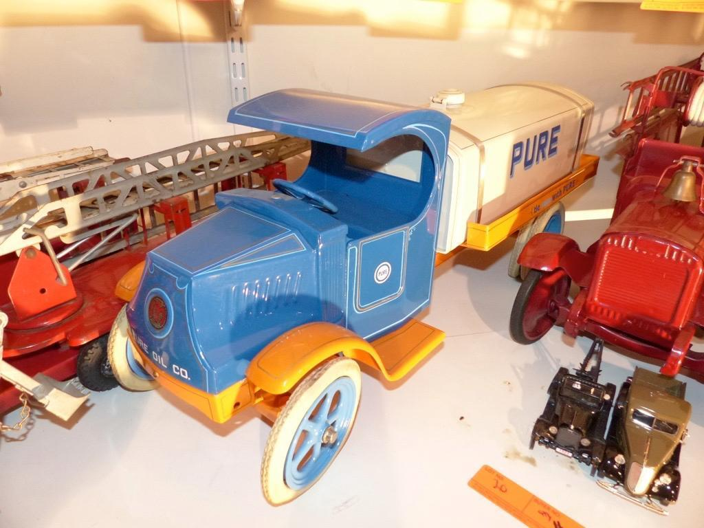 PURE OIL METAL TOY TRUCK COLLECTIBLE TOY