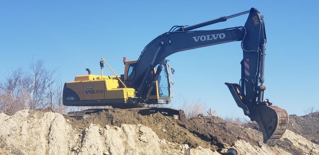 VOLVO EC210BLC HYDRAULIC EXCAVATOR SN:V11371 Powered