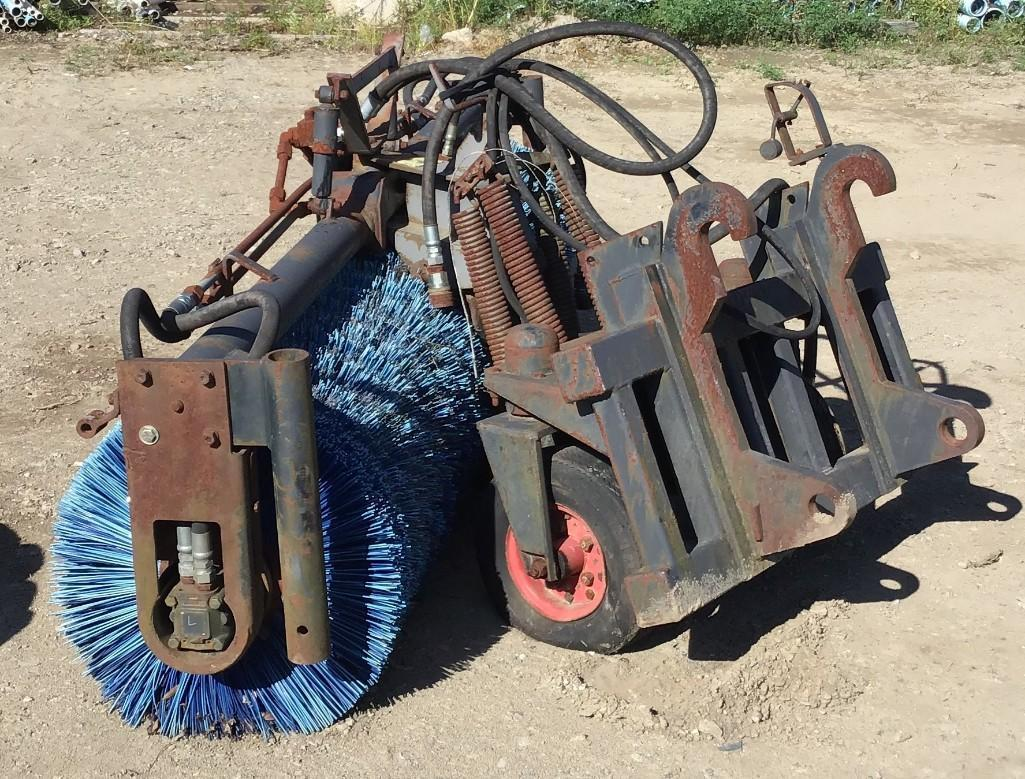CAT HYDRAULIC 8FT. BROOM INTEGRATED TOOL CARRIER To