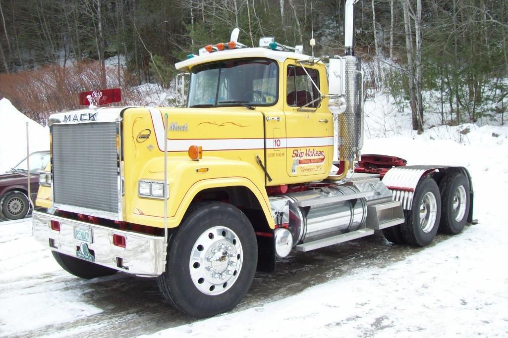 1985 MACK RW613 TRUCK TRACTOR ANTIQUE TRUCK