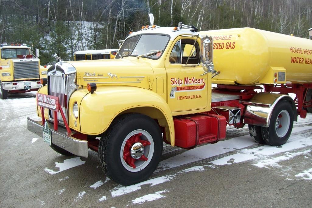 1956 MACK B85 TRUCK TRACTOR ANTIQUE TRUCK VN:B85F1183