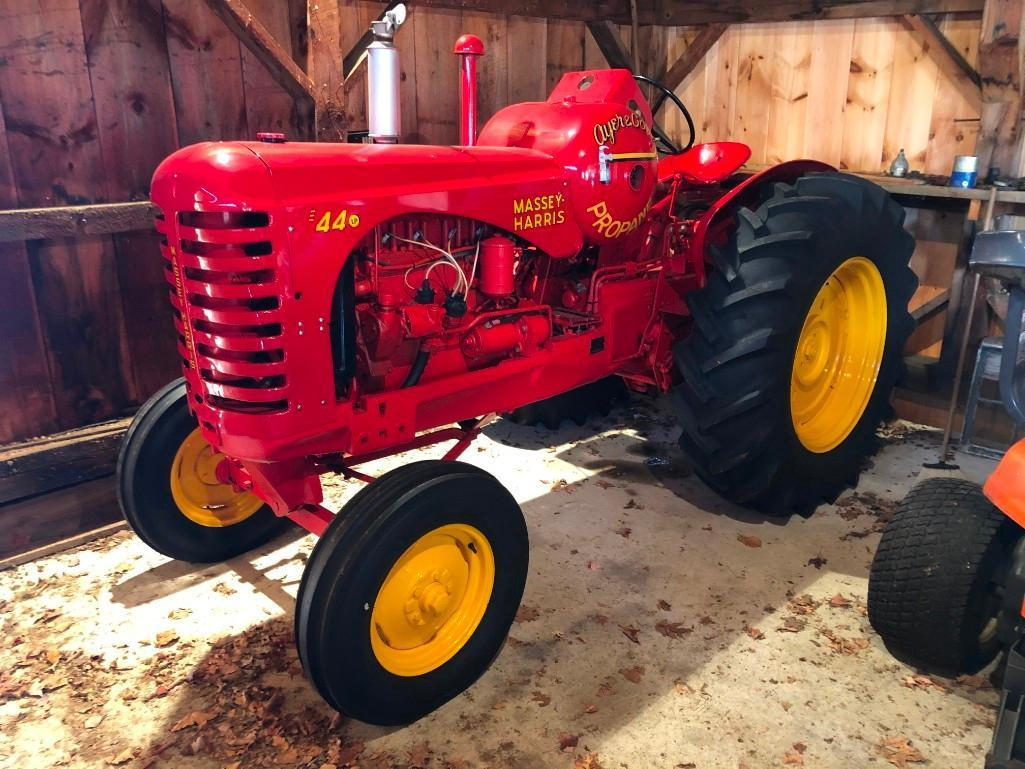 1953 MASSEY HARRIS 44B1SF ANTIQUE AGRICULTURAL TRACTOR