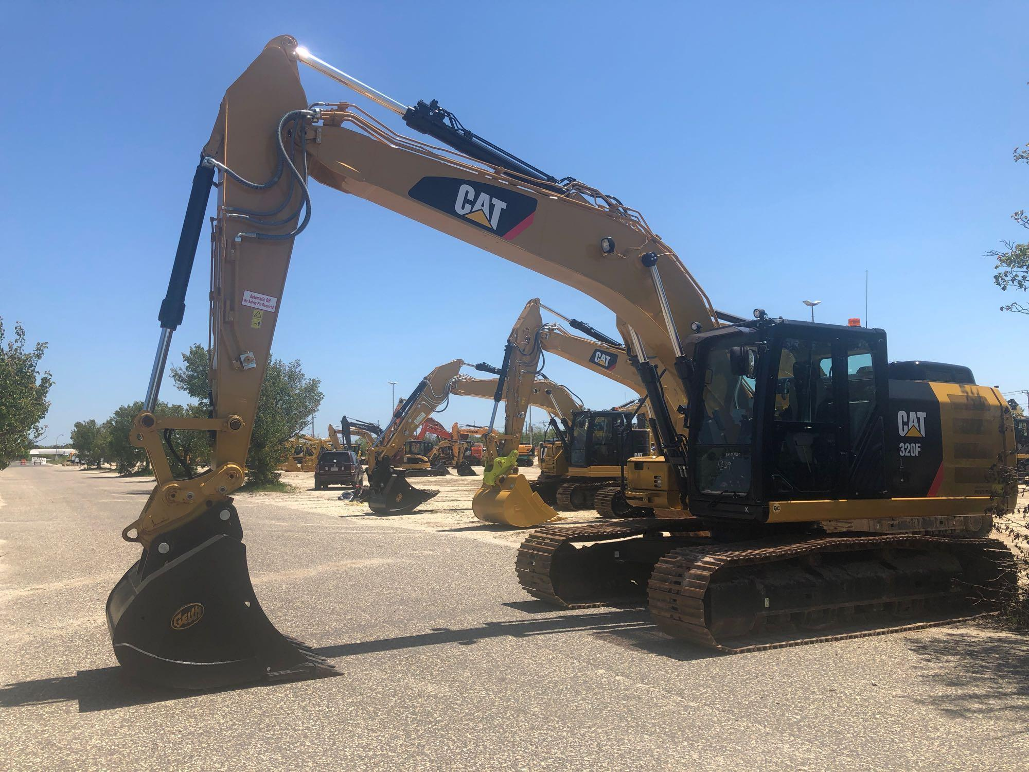 2018 CAT 320FL HYDRAULIC EXCAVATOR SN:NHD10420 Powered
