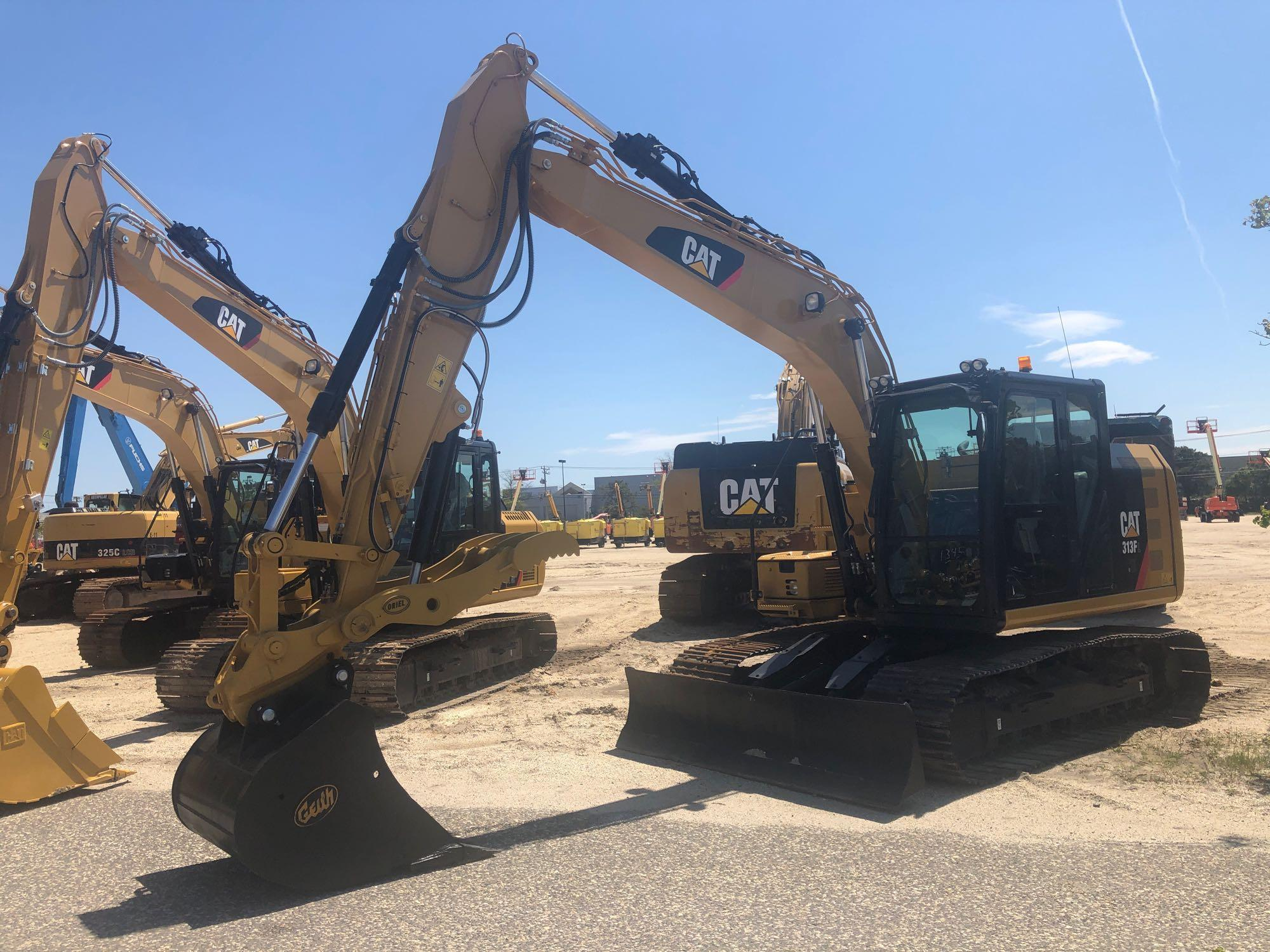 2018 CAT 313FL HYDRAULIC EXCAVATOR Powered By Cat