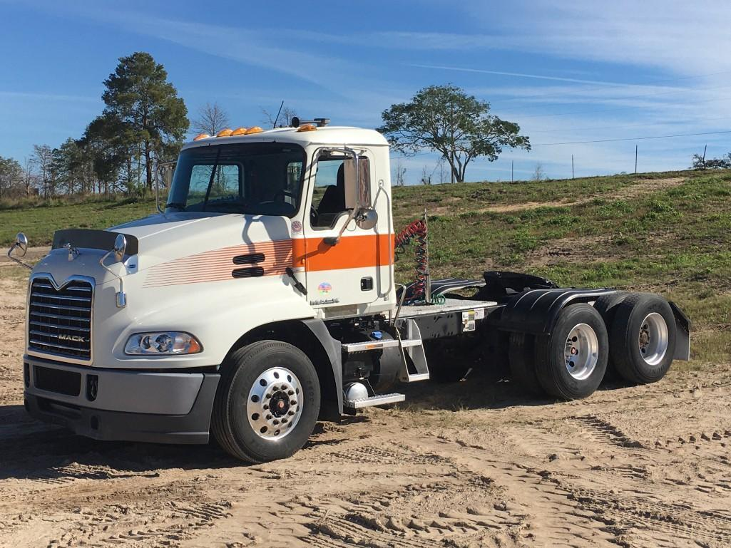 2011 MACK CXU612 TRUCK TRACTOR VN:M002704 Powered By