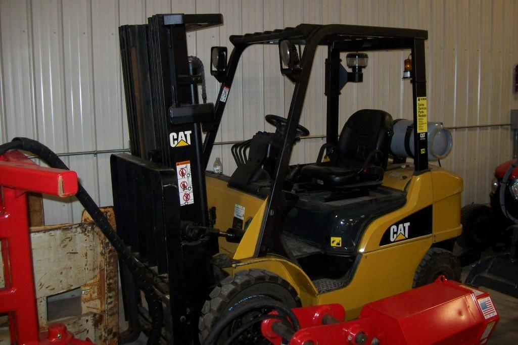 CAT P5000 FORKLIFT SN:AT3521371 Powered By LP Engine