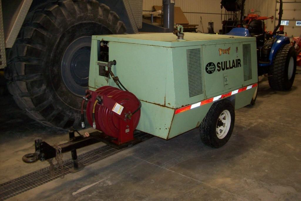 SULLAIR 185CFM AIR COMPRESSOR SN:123011 Powered By