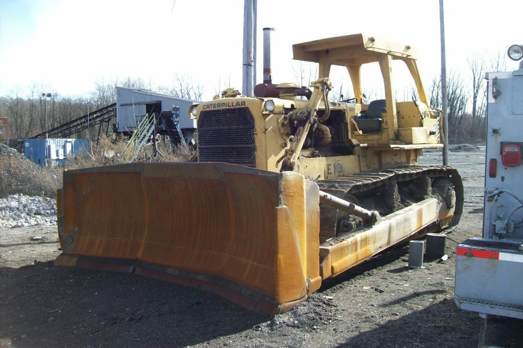 CAT D8K CRAWLER TRACTOR SN:77V12322 Powered By Cat
