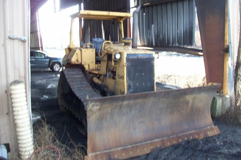 CAT D5H CRAWLER TRACTOR Powered By Cat 3304 Diesel