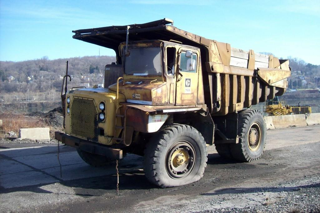 CAT 769B STRAIGHT FRAME HAUL TRUCK SN:99F4946 Powered