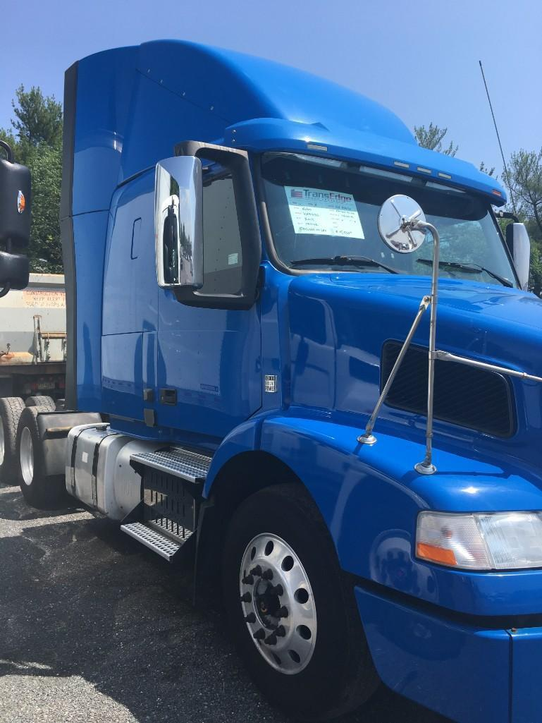 2013 VOLVO VNM300 TRUCK TRACTOR VN:141102 Powered By