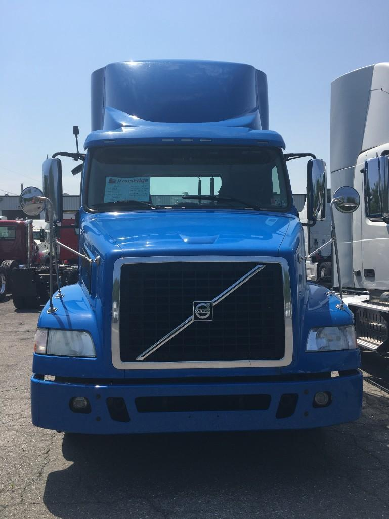 2013 VOLVO VNM200 TRUCK TRACTOR VN:141096 Powered By