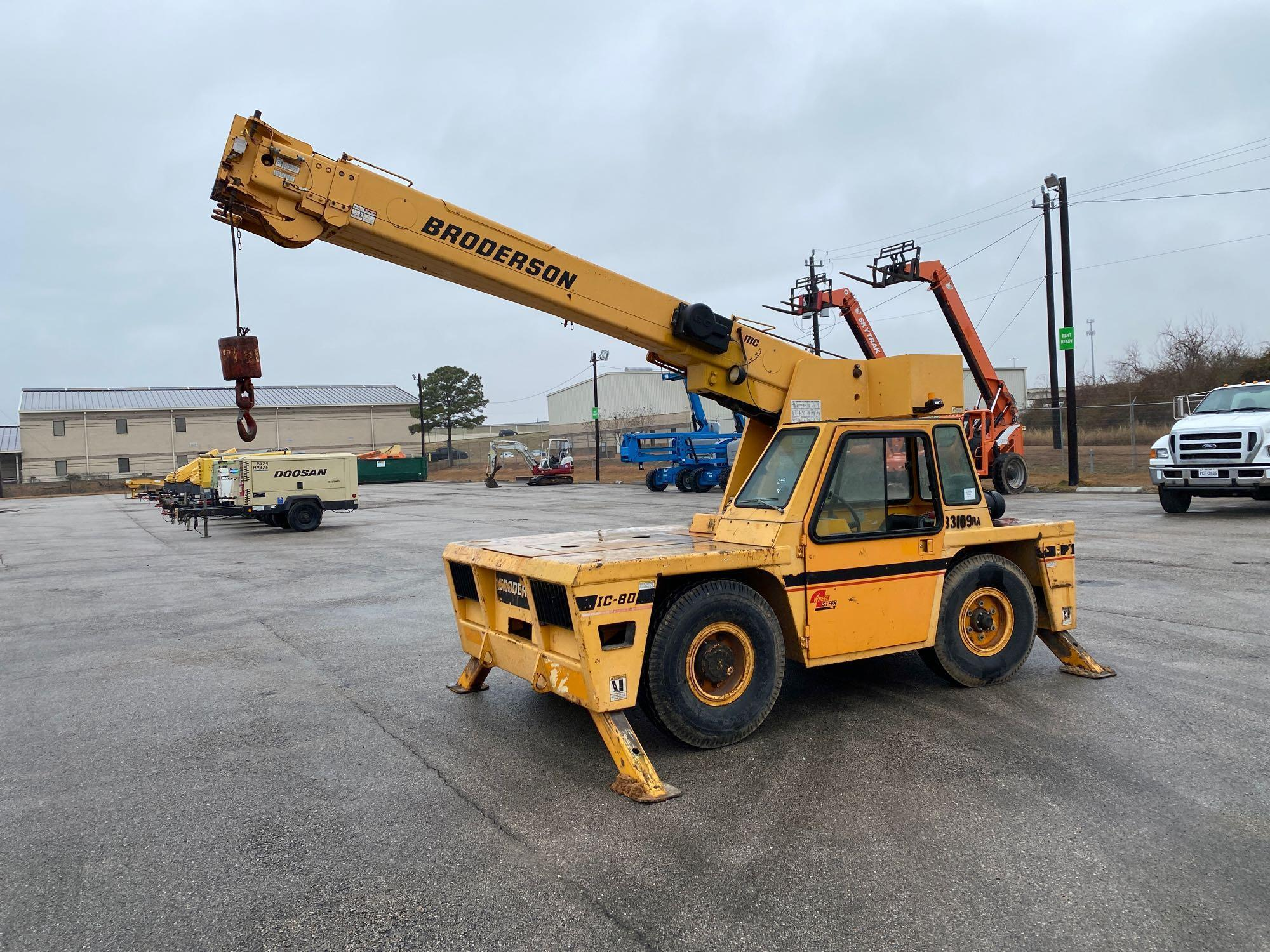 BRODERSON IC-80-3F CARRY DECK CRANE SN:508337 Powered
