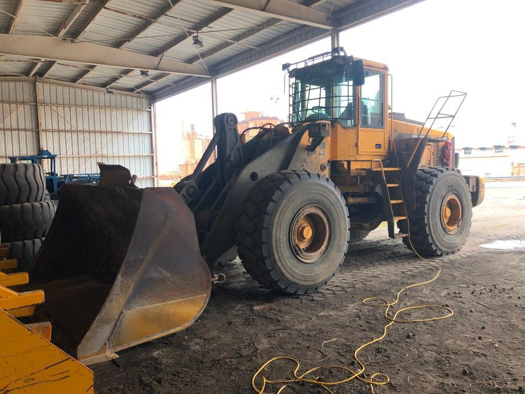 VOLVO L180D RUBBER TIRED LOADER SN:62070 Powered By