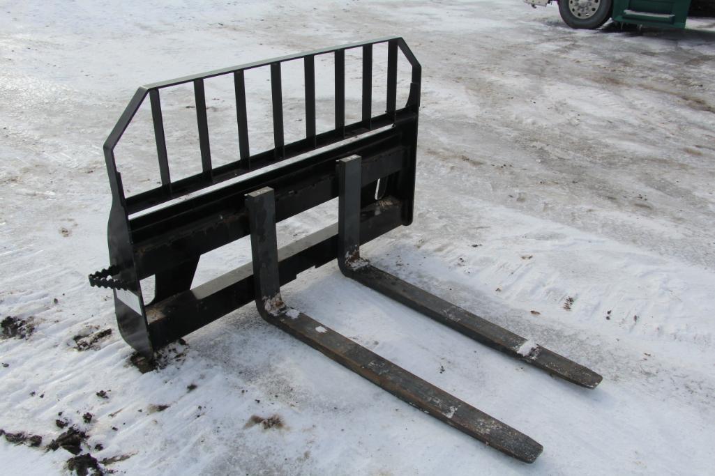 John Deere Worksite Pro Pallet Forks