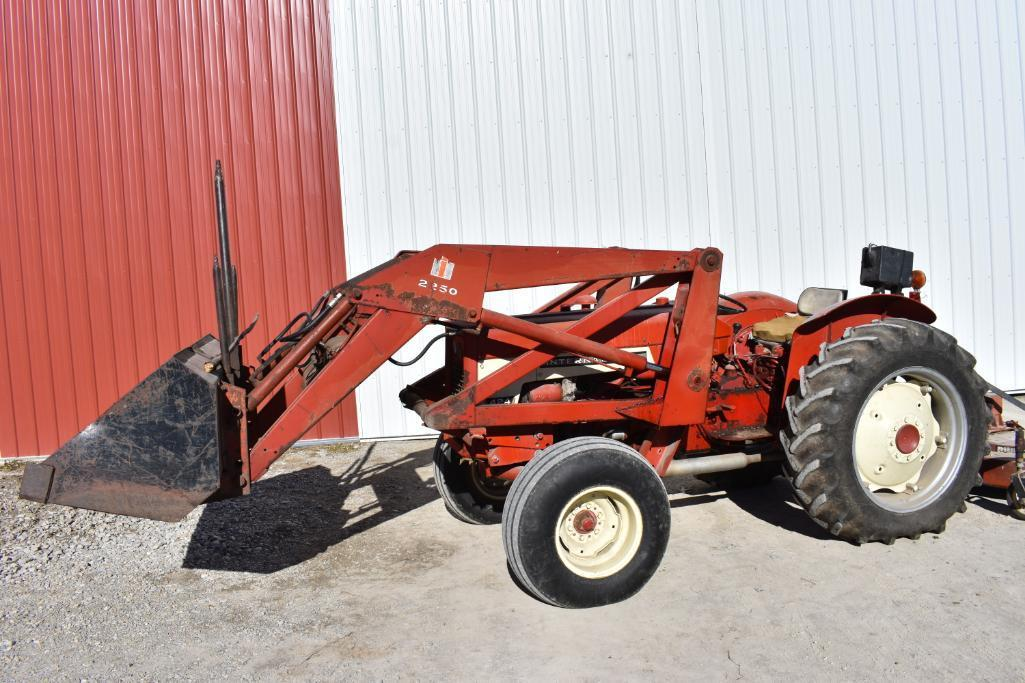 International Harvester 424 2wd Utility Tractor