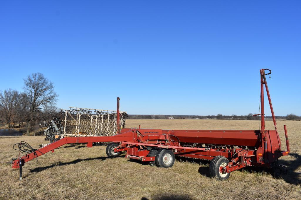Case IH 5500 Minimum-Till 30' Grain Drill