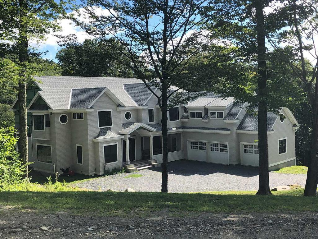 5br-4-5ba-stowe-home-on-5%c2%b1-acres