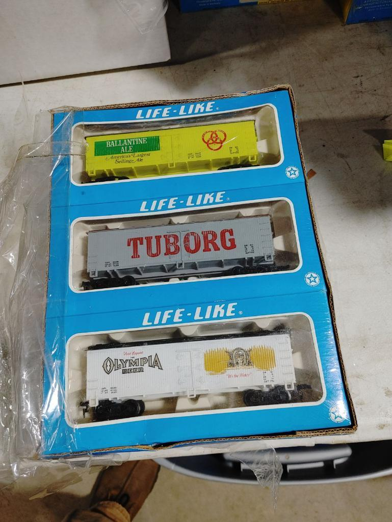 collection-of-ho-scale-train-sets-building-kits-train-cars-etc
