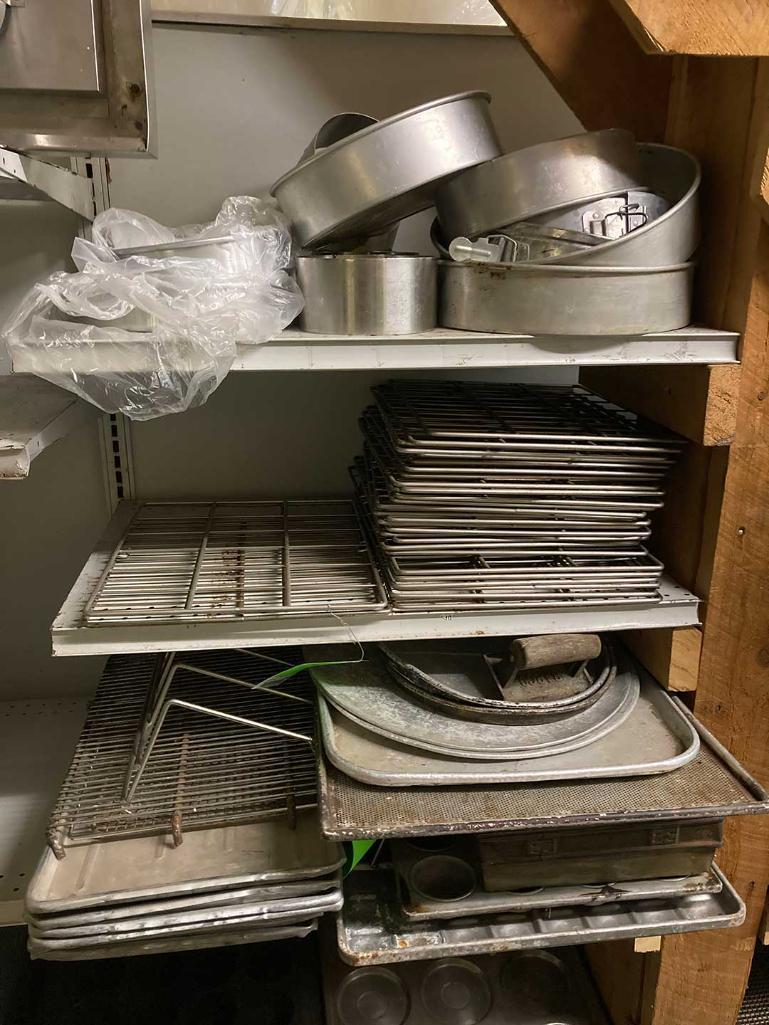 asst-baking-trays-racks