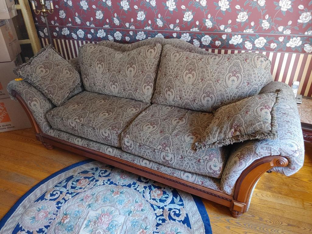 upholstered-sofa