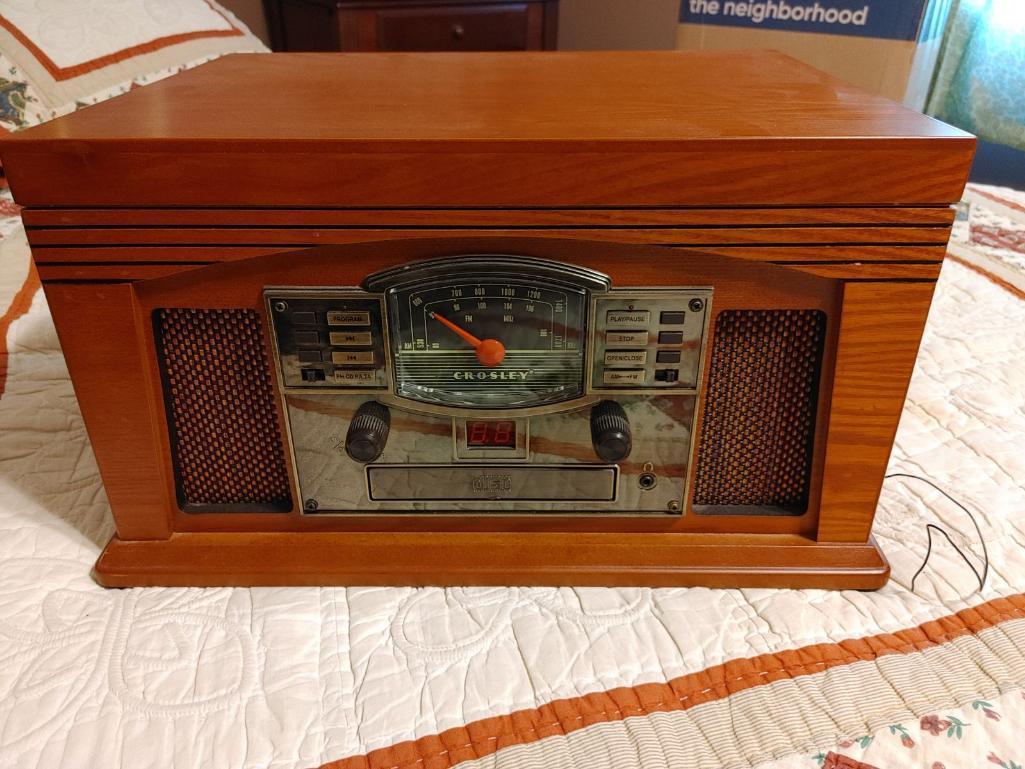 crosley-radio-record-player-cr42