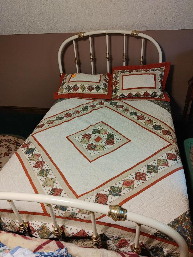 full-size-bed-w-headboard-footboard