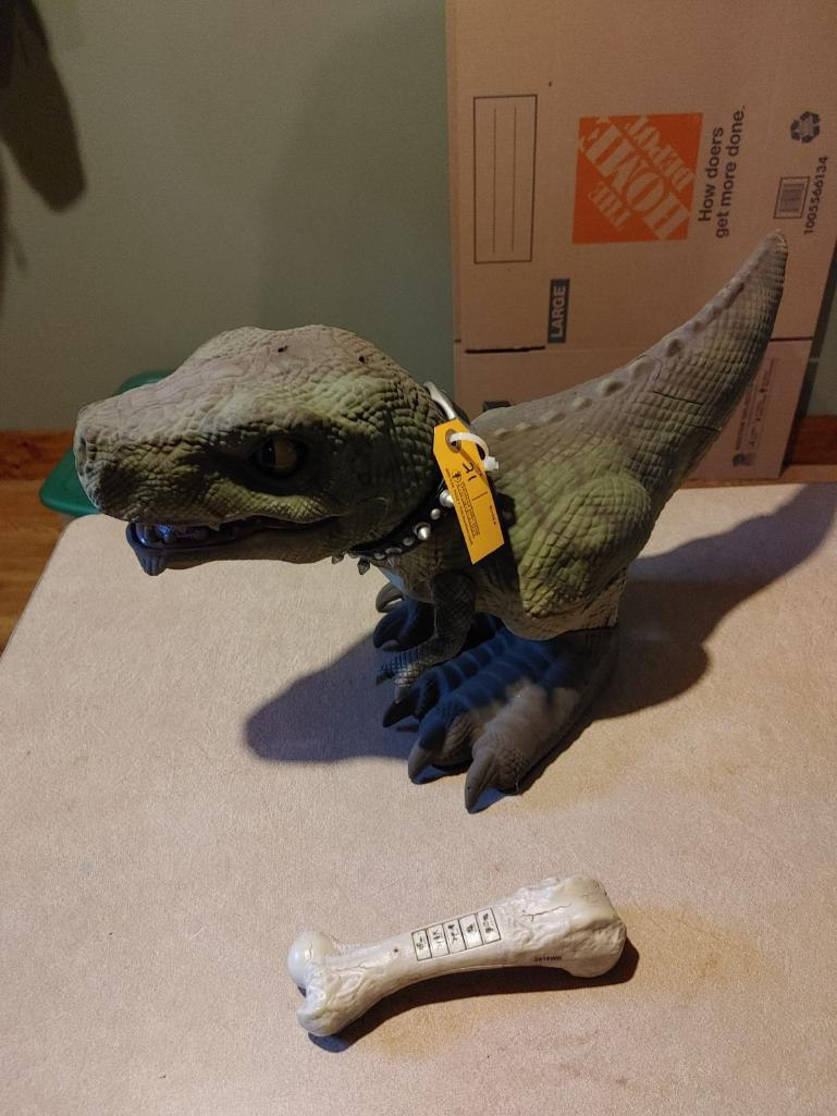 battery-operated-t-rex-toy