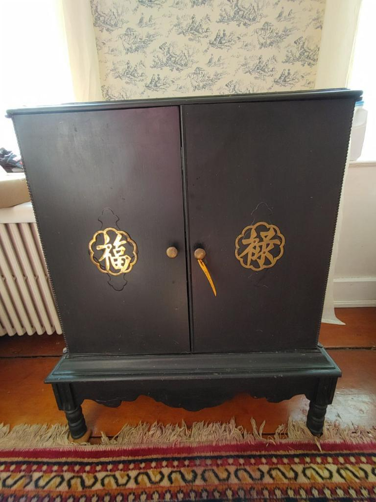 painted-oriental-style-2-door-cabinet