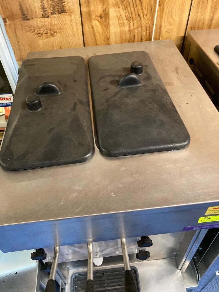 stoelting-triple-head-countertop-soft-serve-machine