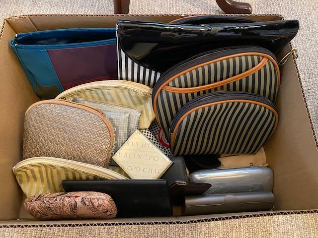 lot-of-handbags-and-eyeglasses-cases