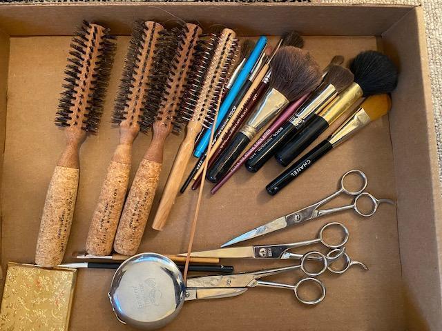 designer-make-up-hair-brushes