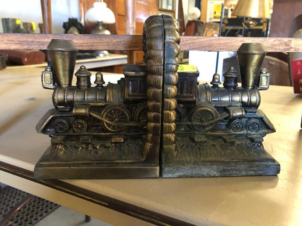 pair-metal-locomotive-bookends