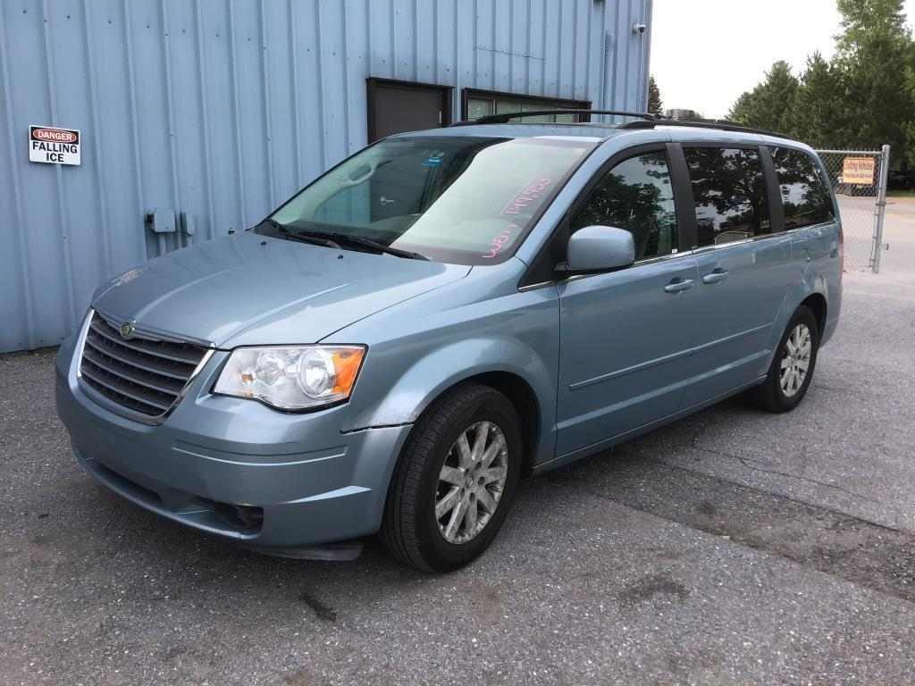 2008-chrysler-town-and-country