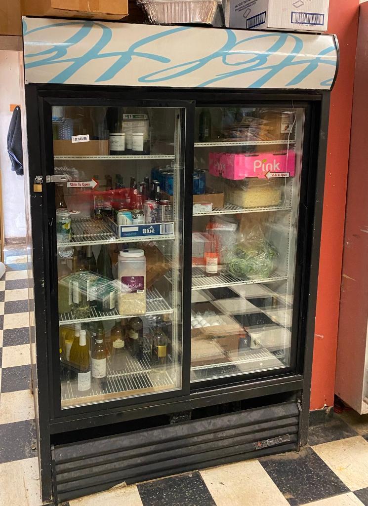 true-double-sliding-door-merchandising-refrigerator