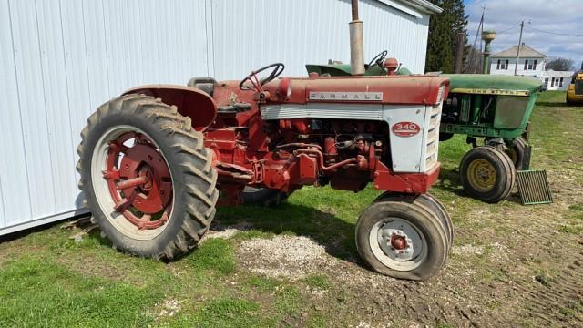 farmall-340-tractor