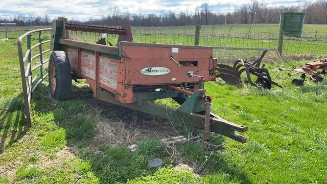 new-idea-single-axle-manure-spreader