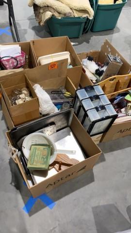 6-boxes-misc-kitchen-items-potholders