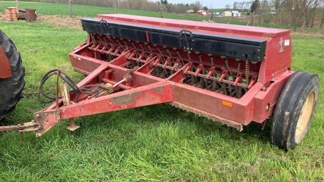 international-harvester-5100-grain-drill