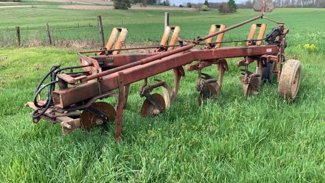 international-harvester-720-418-sar-plow