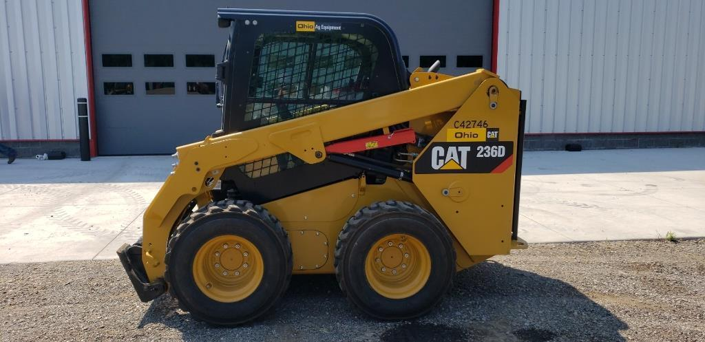 absolute-cat-236d-skid-loader
