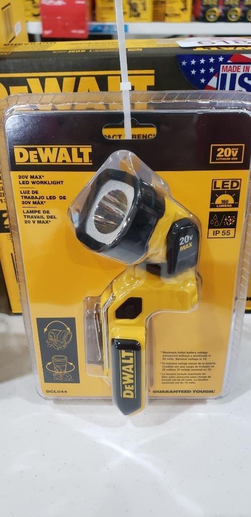 dewalt-20v-160-lumen-light