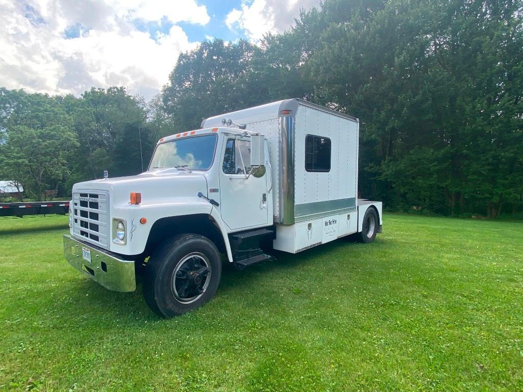 84-international-s1900-single-axle-truck