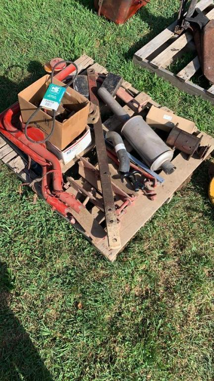 pallet-of-misc-farmall-parts